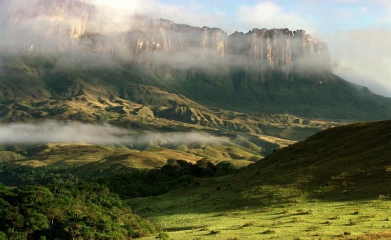 Tips Berwisata ke Taman Nasional Lorentz