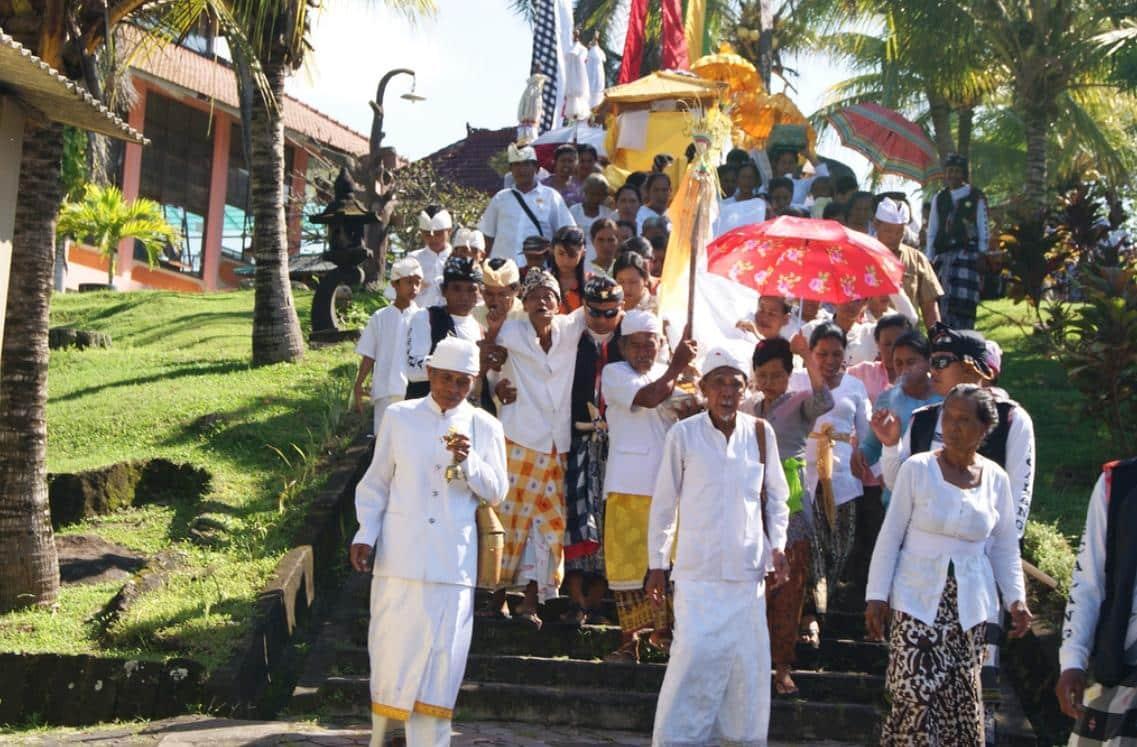 Aktivitas di Pantai Soka