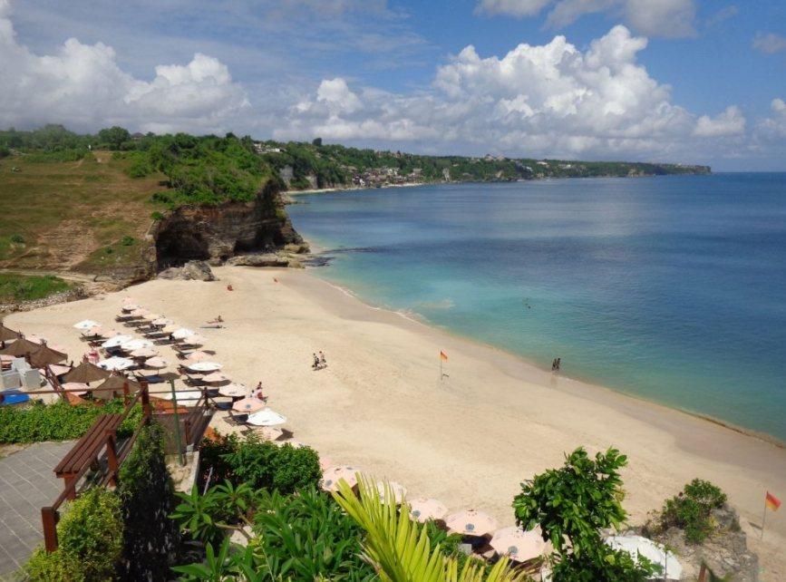 Pantai Dreamland Bali, Pasir Putih