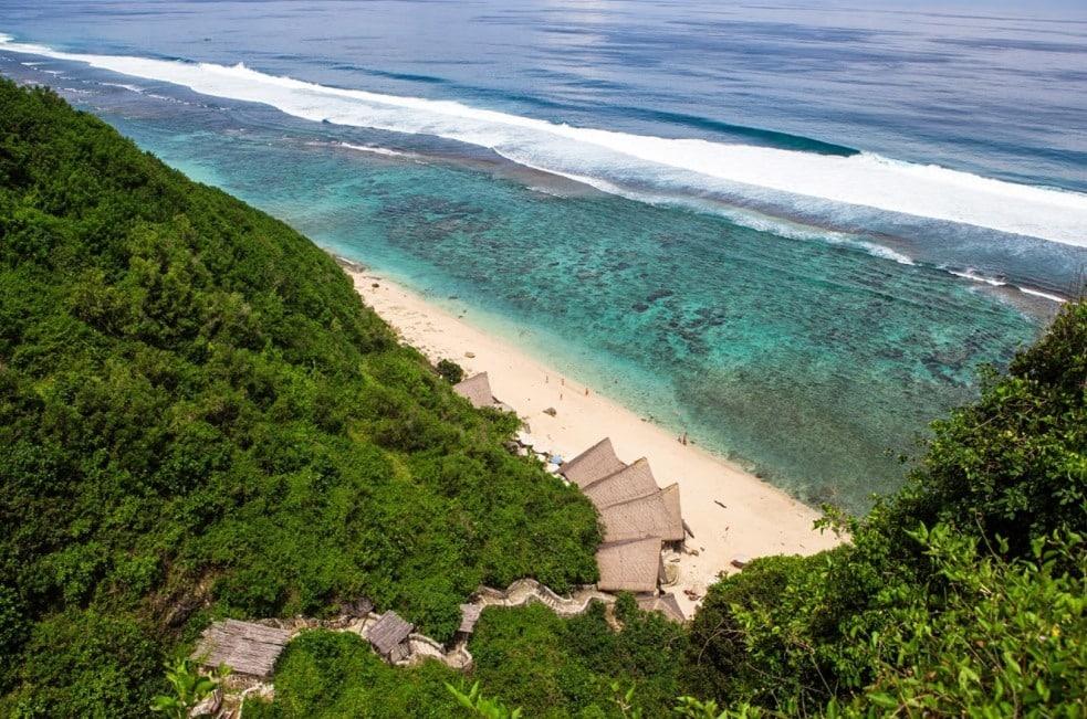 Pantai Finn's Bali, Beach Club Menawan Untuk Dikunjungi