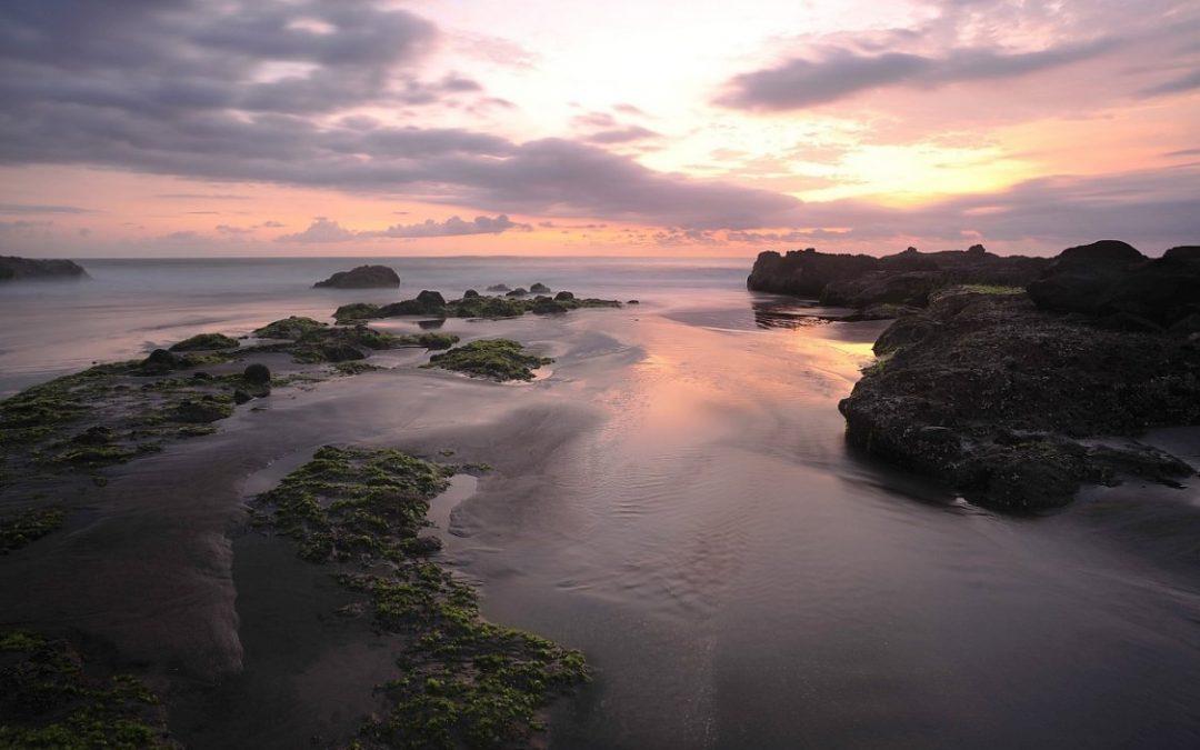 Pantai Soka Bali, Pantai Pasir Hitam di Pulau Dewata