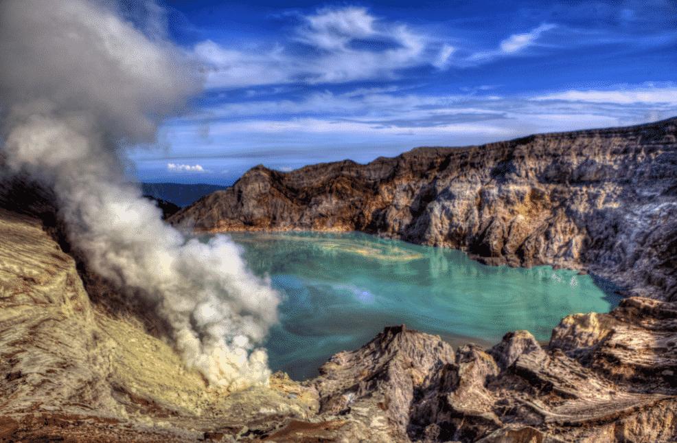 Blue Fire Kawah Ijen, Wisata dengan Fenomena Langka di Dunia