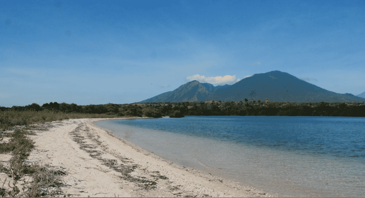 Keindahan Tersembunyi dari Pantai Bilik