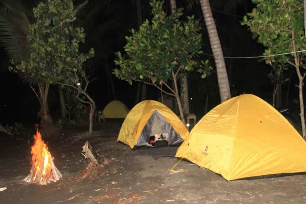 Camping di Pantai Batukaras