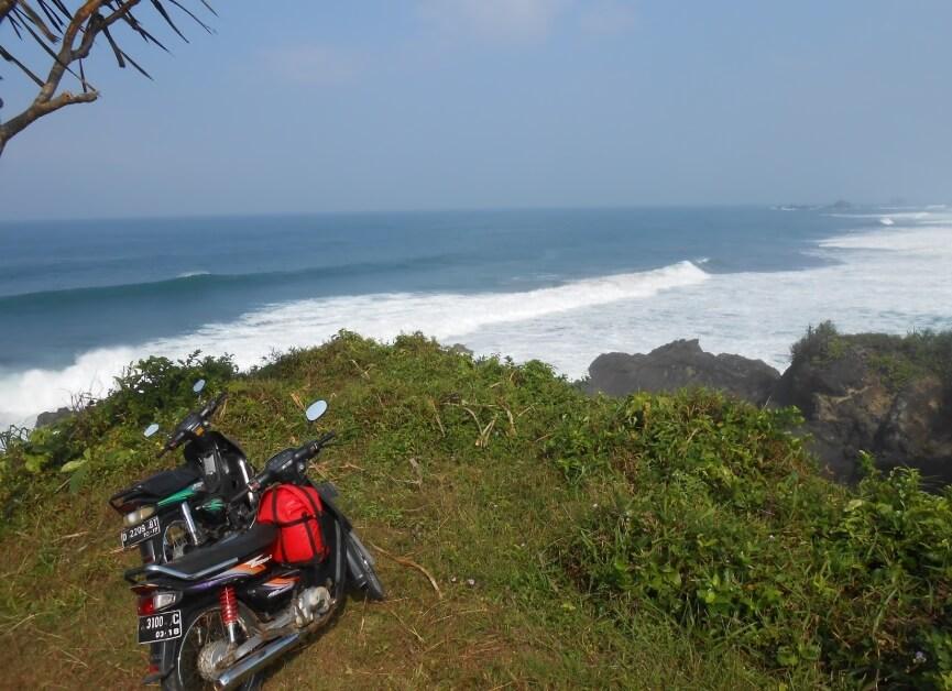 Fotografi Pantai Keusik Luhur