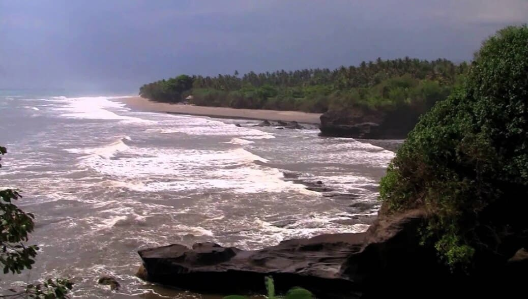 Ombak Pantai Balian