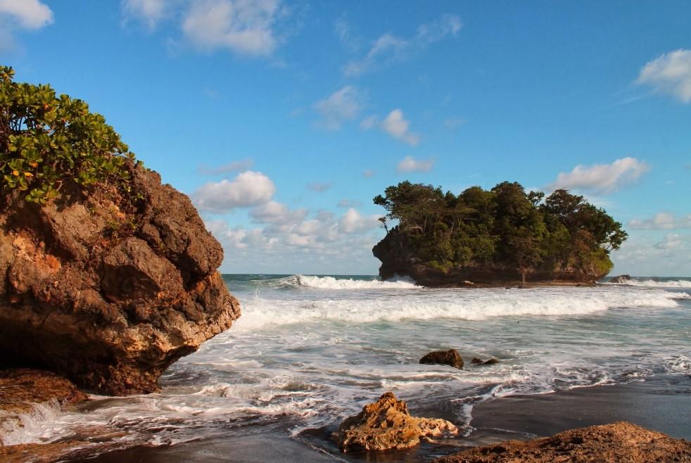 Pantai Legok Jawa
