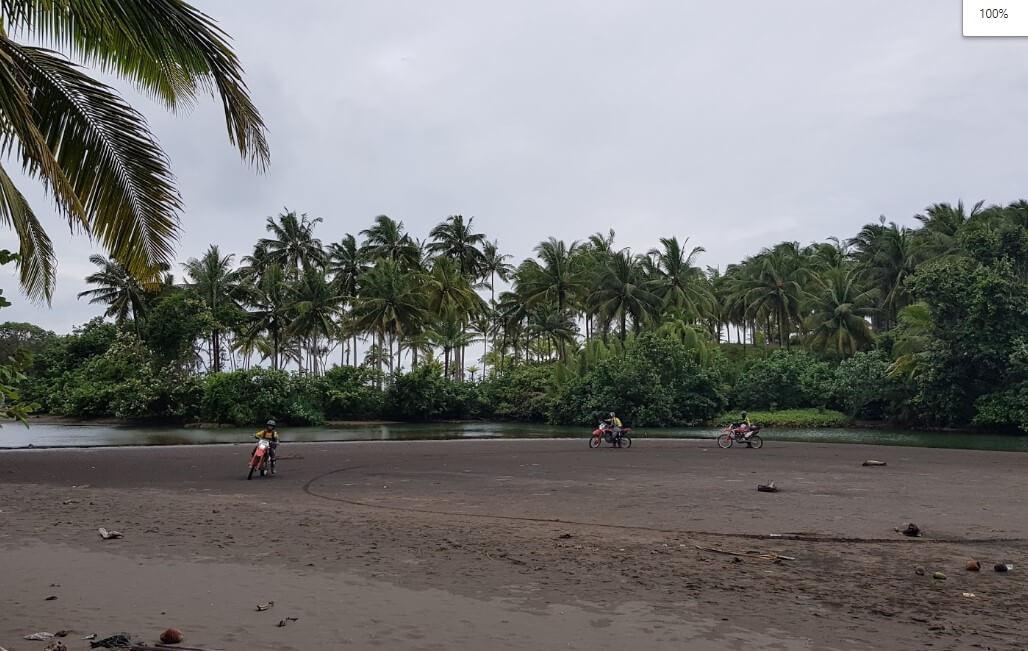 Pantai Muaragatah Belum Terjamah