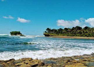 Pantai Muaragatah : Pantai Indah, Sederhana, dan Hemat Dompet!
