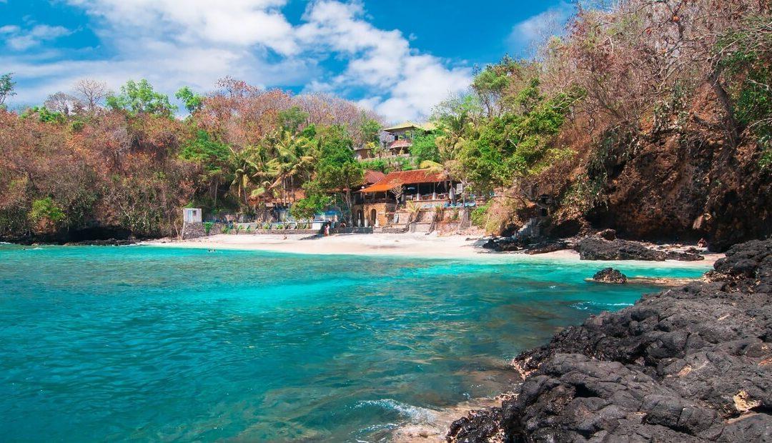 Mengeksplor Keindahan si 'Perawan' Pantai Padang Bai di Bali!