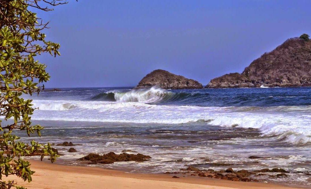 Pantai Sepi dan Misterius, Pantai Parang Kursi Banyuwangi !