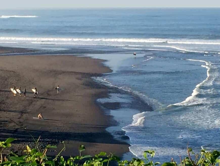 Pasir Hitam Pantai Balian
