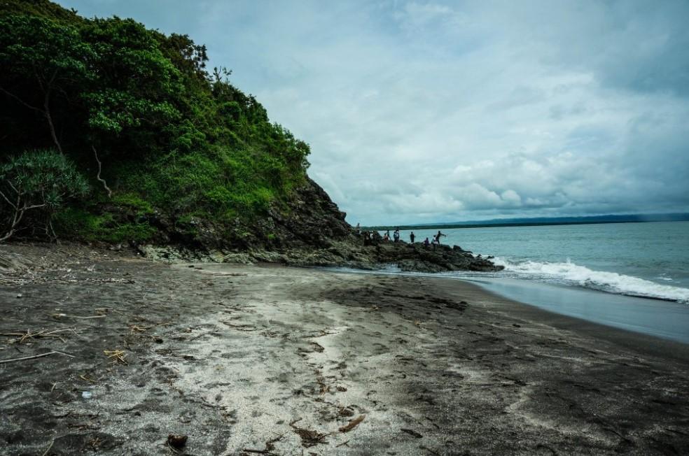 Pasir Hitam Pantai Gradjagan
