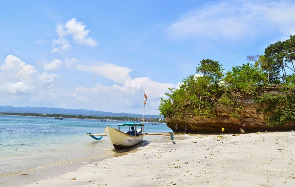 Spot Foto Cantik Pantai Legok Jawa
