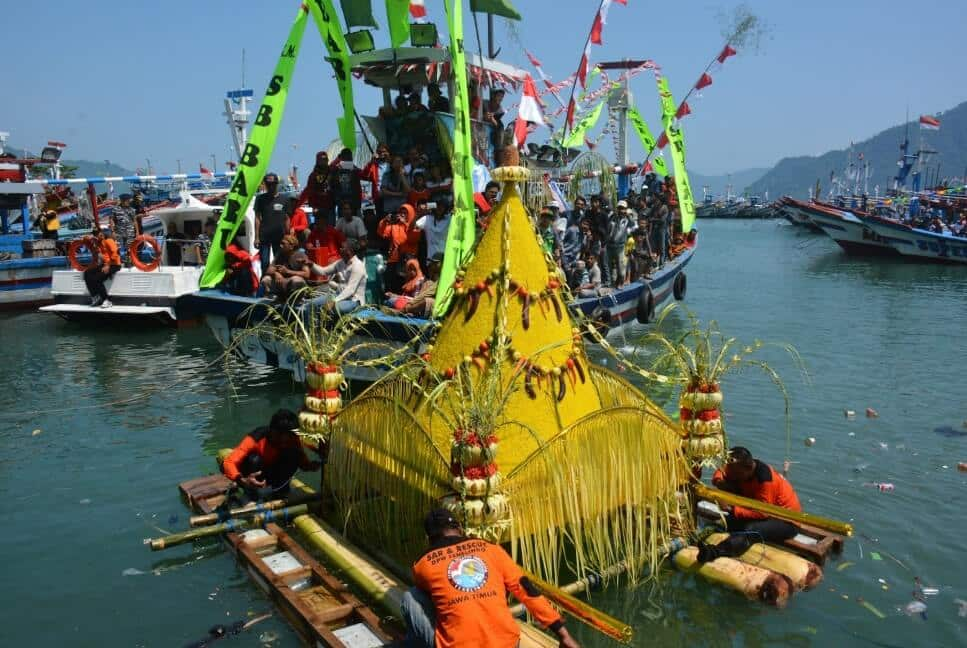 Tradisi Penduduk Pelabuhan Ratu