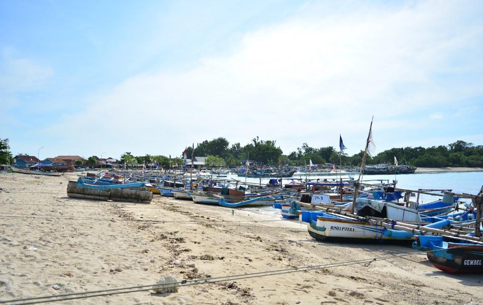 Pantai Ujung Genteng, Pantai Sepi Sukabumi yang Wajib Dikunjungi!