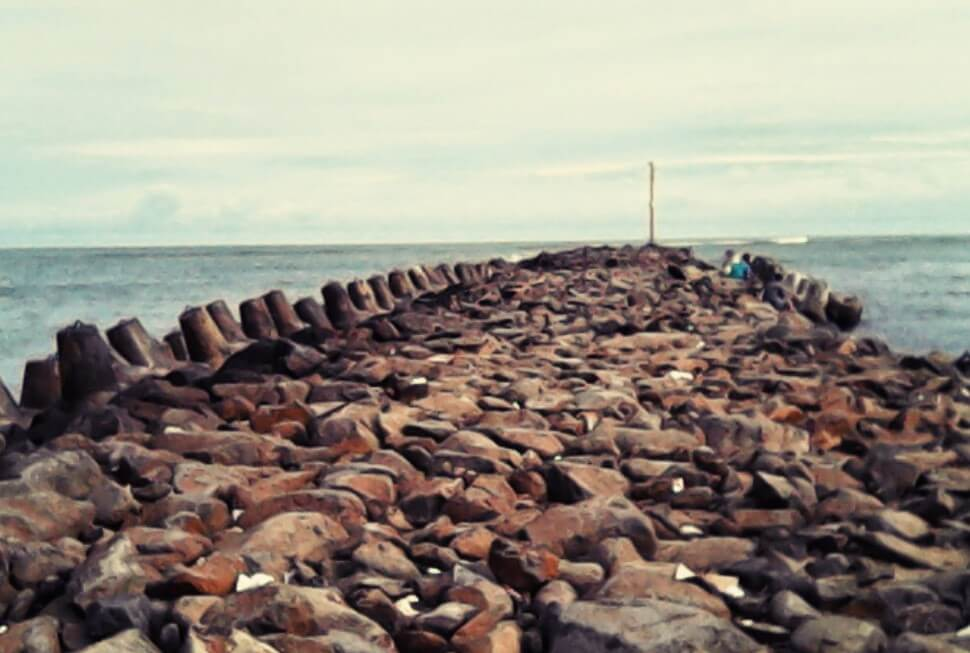 Batu Karang Pantai Bojong Salawe