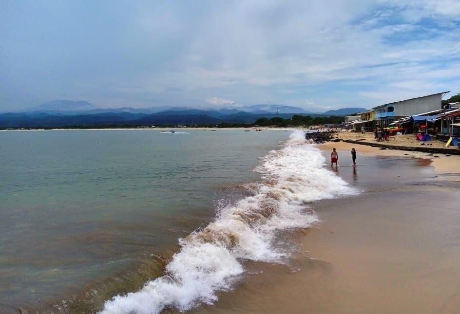 pantai santolo adalah