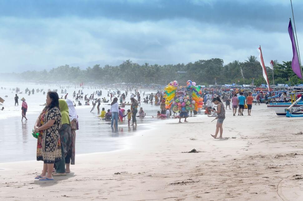 Fasilitas Pantai Pananjung Lengkap