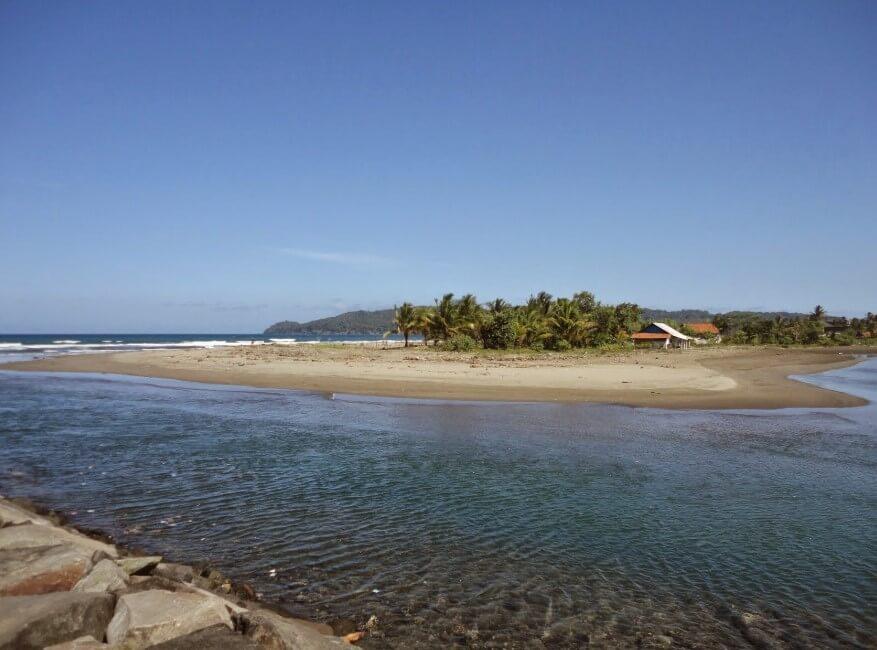 Panorama Pantai Bojong Salawe