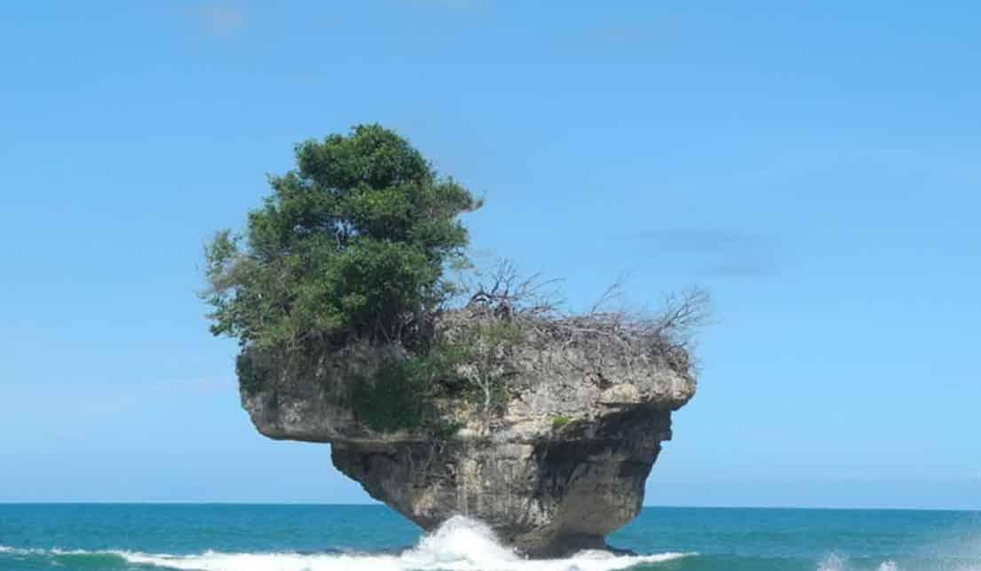 Pantai Madasari Untuk Meditasi