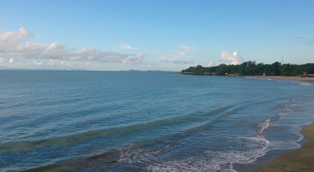 Pantai Pangelek : Hidden Paradise di Pangandaran yang Cool Abis!