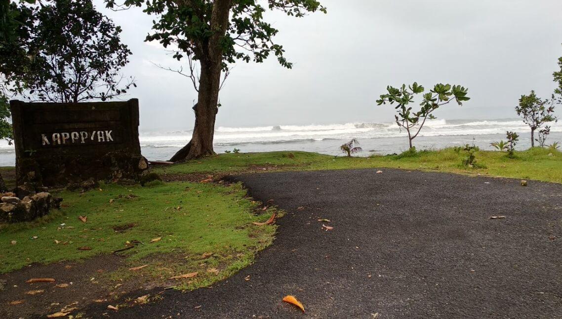 Yoga Pantai Karapyak