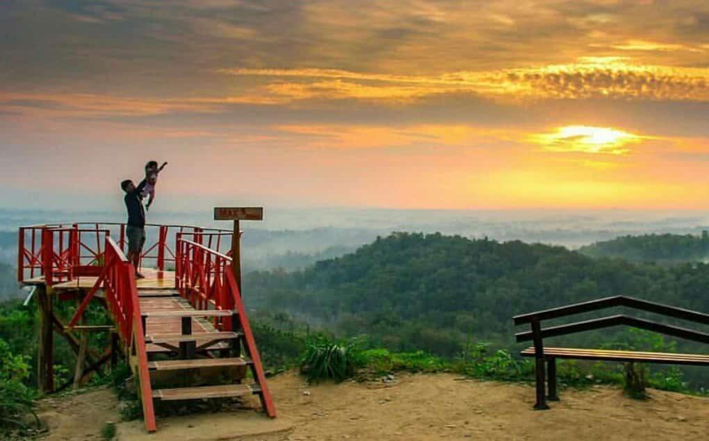 Wisata Bukit Cinta Bayat, Tempat Hits Anak Muda Kekinian !