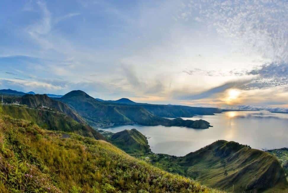 Danau Toba, Hasil Letusan Mahadahsyat yang Kini Jadi Incaran Turis !
