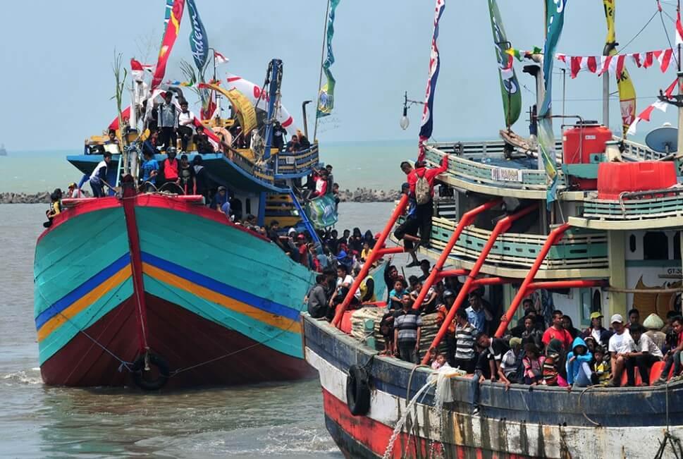 Pesta Laut Pantai Palatar Agung