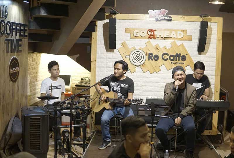 cafe eighthreeight pekanbaru