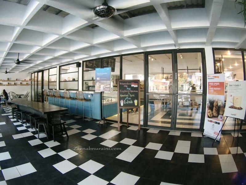 cafe bagus di jakarta pusat