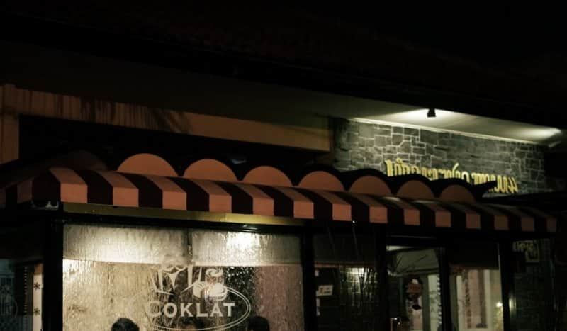 cafe di jogja Coklat Cafe