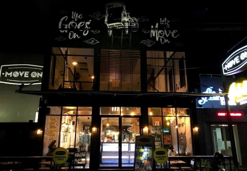 cafe di jogja Move On Cafe