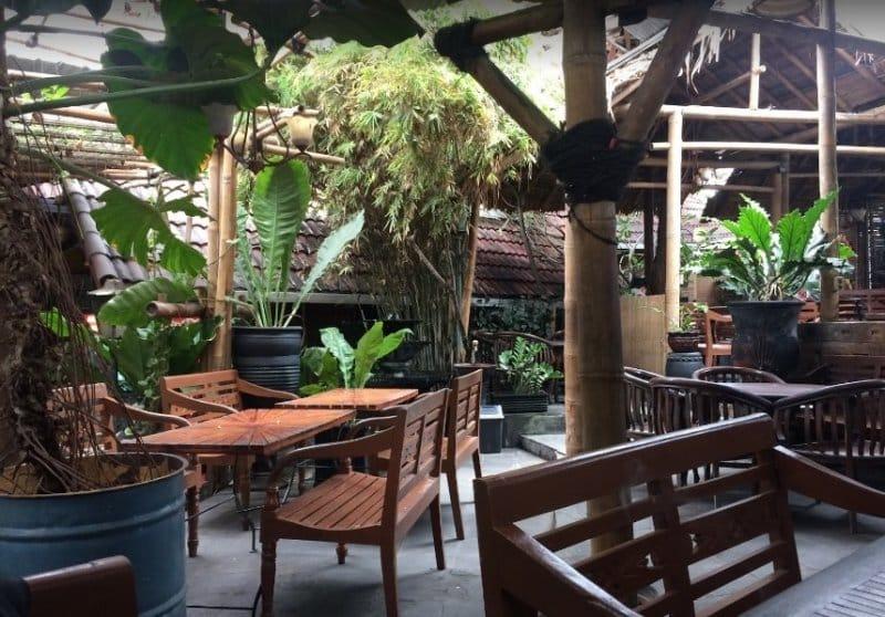 cafe di jogja Warkop Semesta Kotabaru