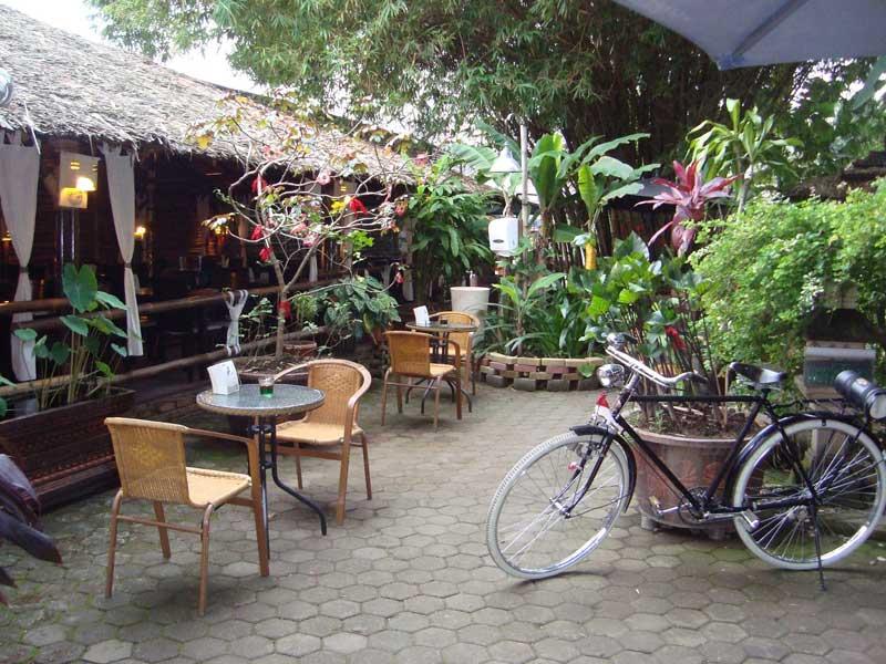cafe di medan baru