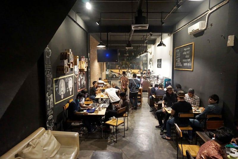 cafe container pekanbaru