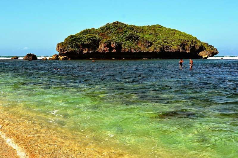 Pantai Sadranan Jogja, Nuansa Sepi dan Tenang Saat Berlibur!