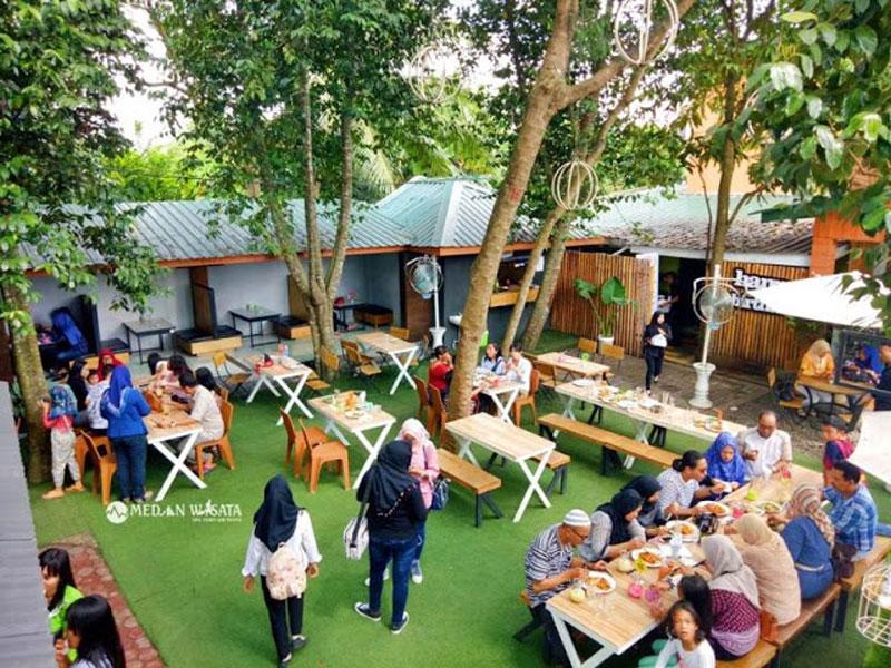 cafe taman selfie di binjai