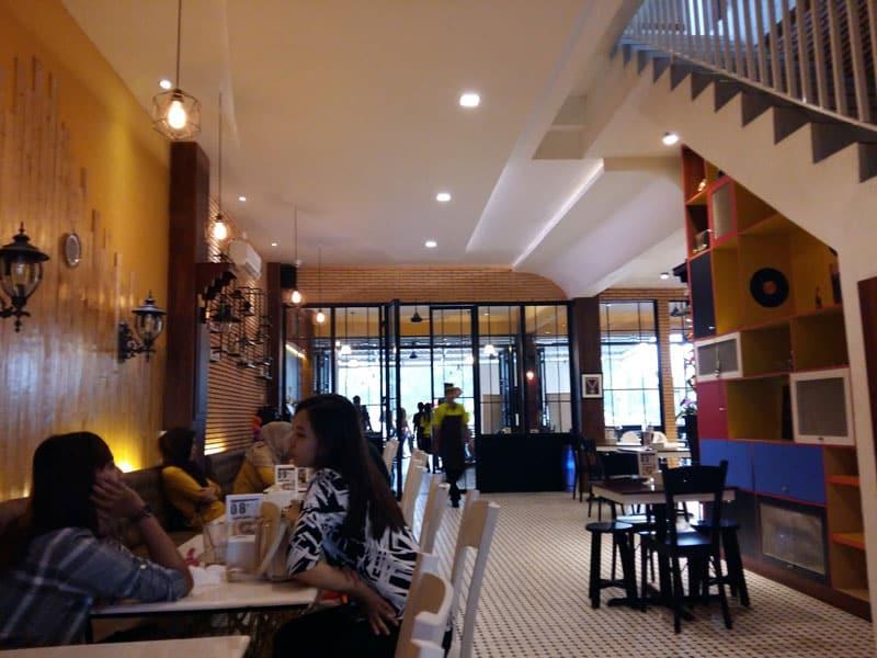 cafe di kota kendari yang bagus
