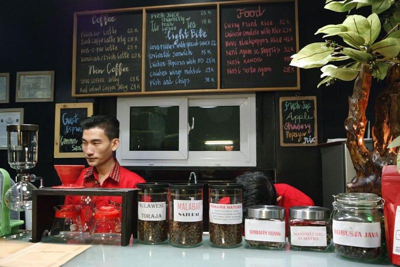 cafe di lombok sangat murah