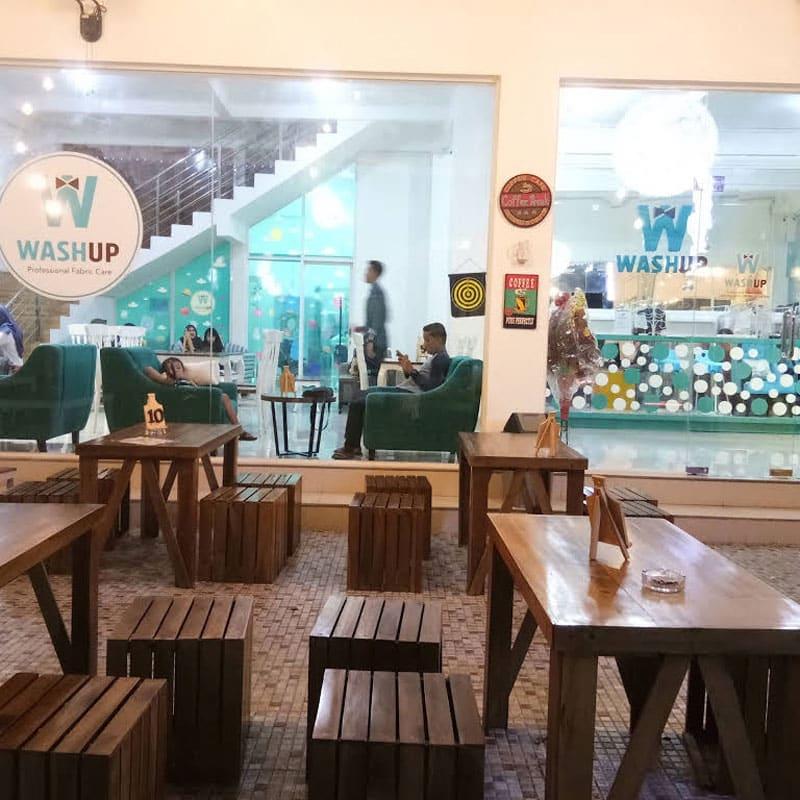 cafe di madiun romantis