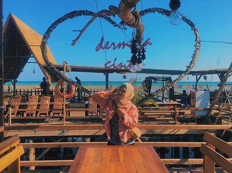 15+ Cafe di Madura yang Unik, Terkenal, Murah, dan Pas Buat Milenial!