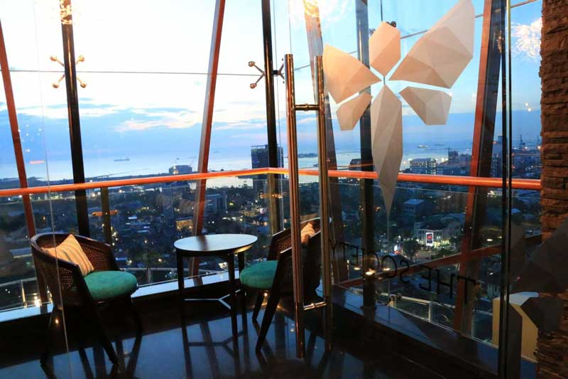 15+ Cafe di Makassar yang Murah, Romantis, dan Ada Live Musicnya!