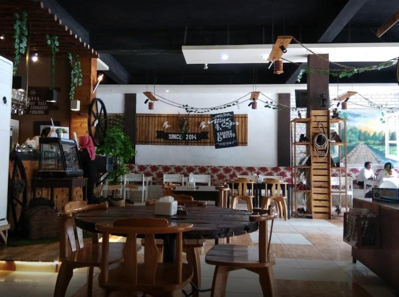 cafe di tanjungbalai