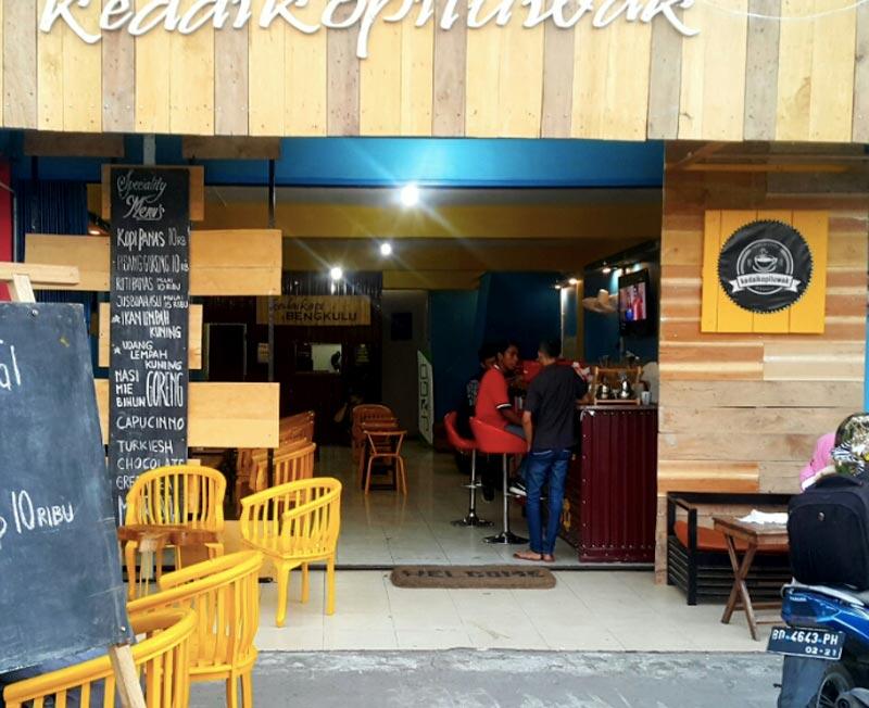 cafe cemara bengkulu