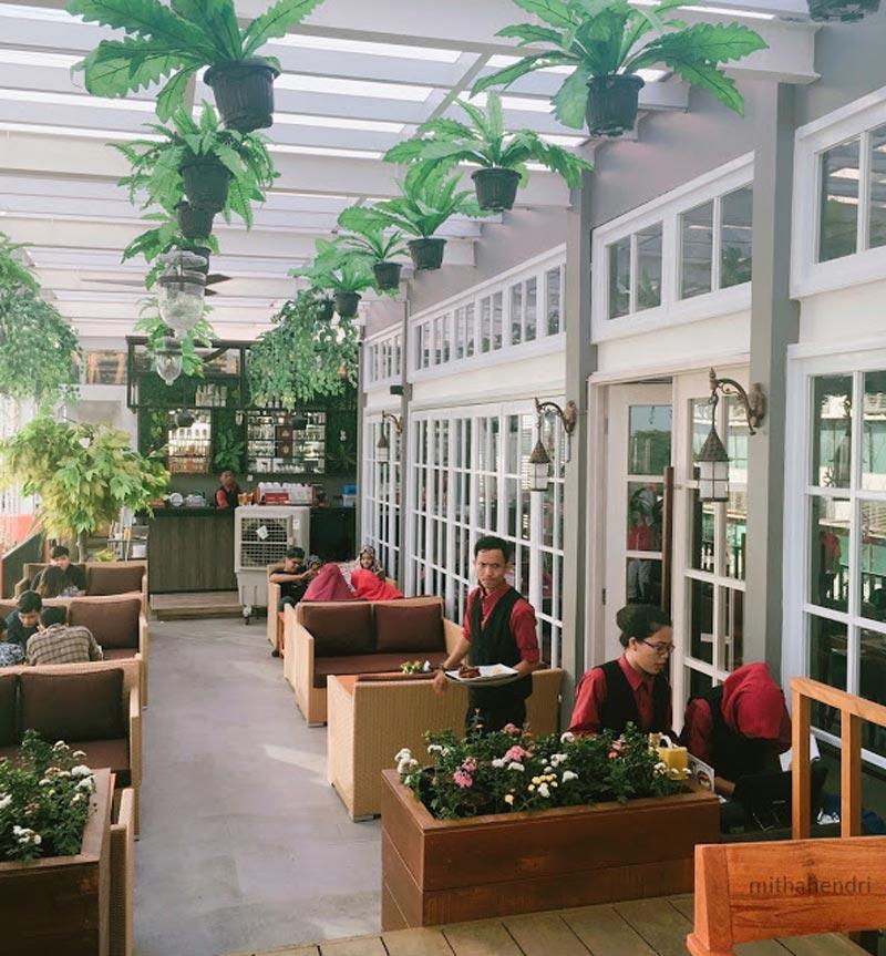 cafe di palembang yang ada private room