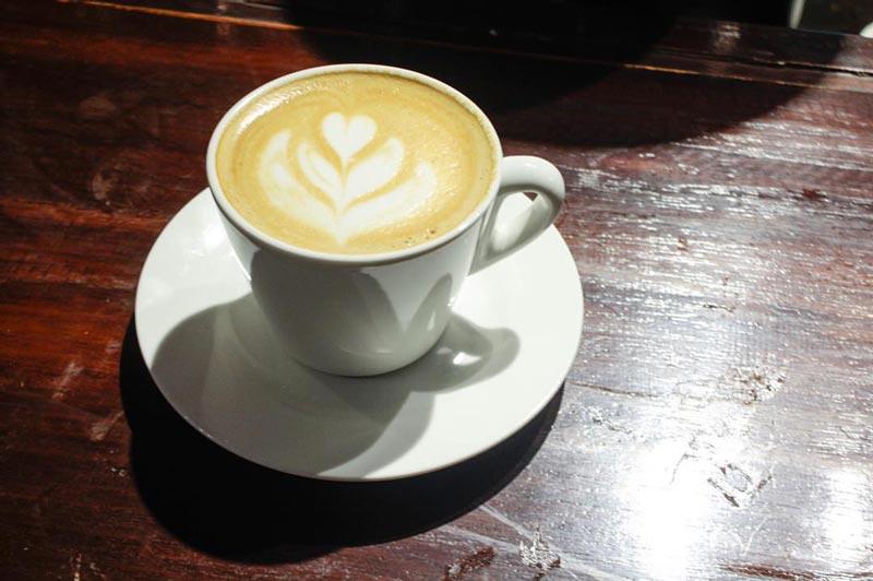 cafe cozy di tangerang selatan
