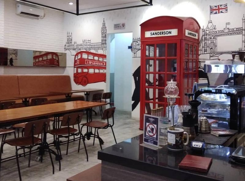 cafe bar di jakarta timur