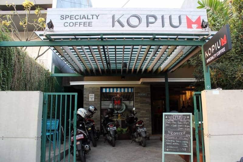 cafe yang enak di jakarta utara